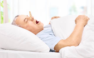 Почему закладывает нос без насморка ночью